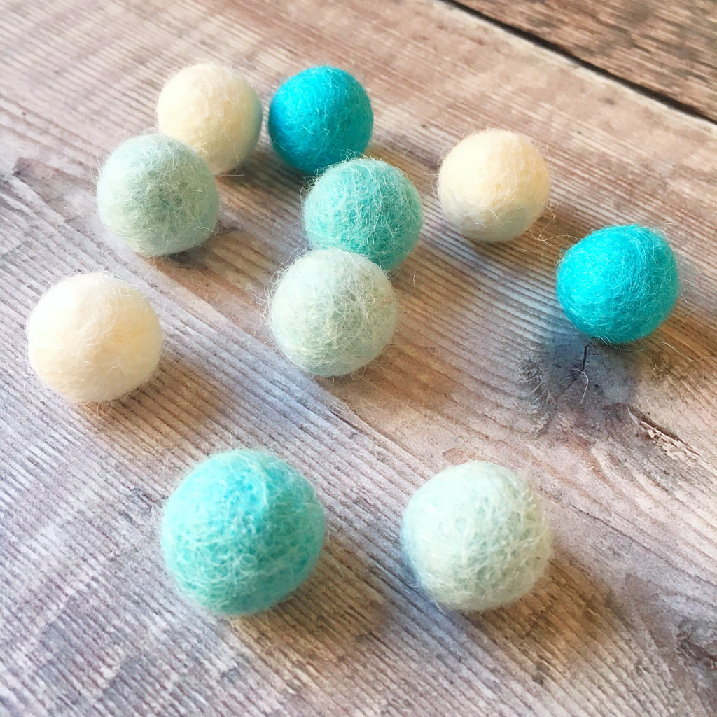 Felt balls: 1.5cm cool mix (pack of 10)
