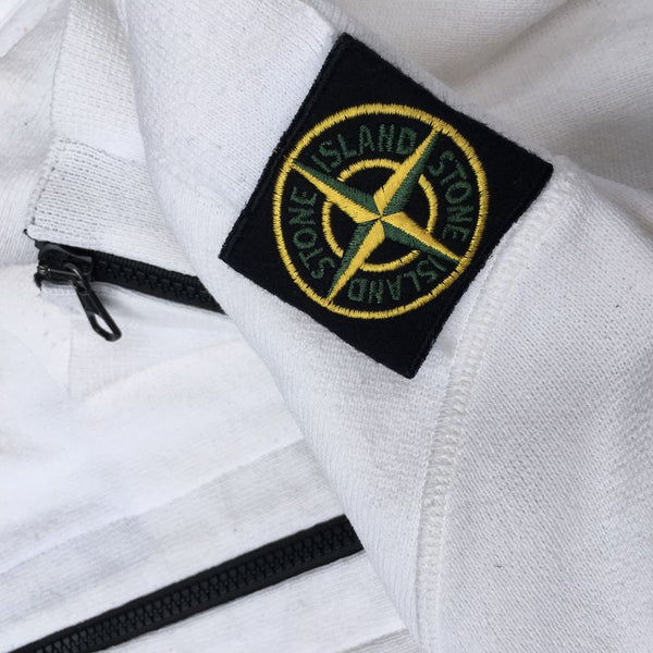 stone island shoulder badge