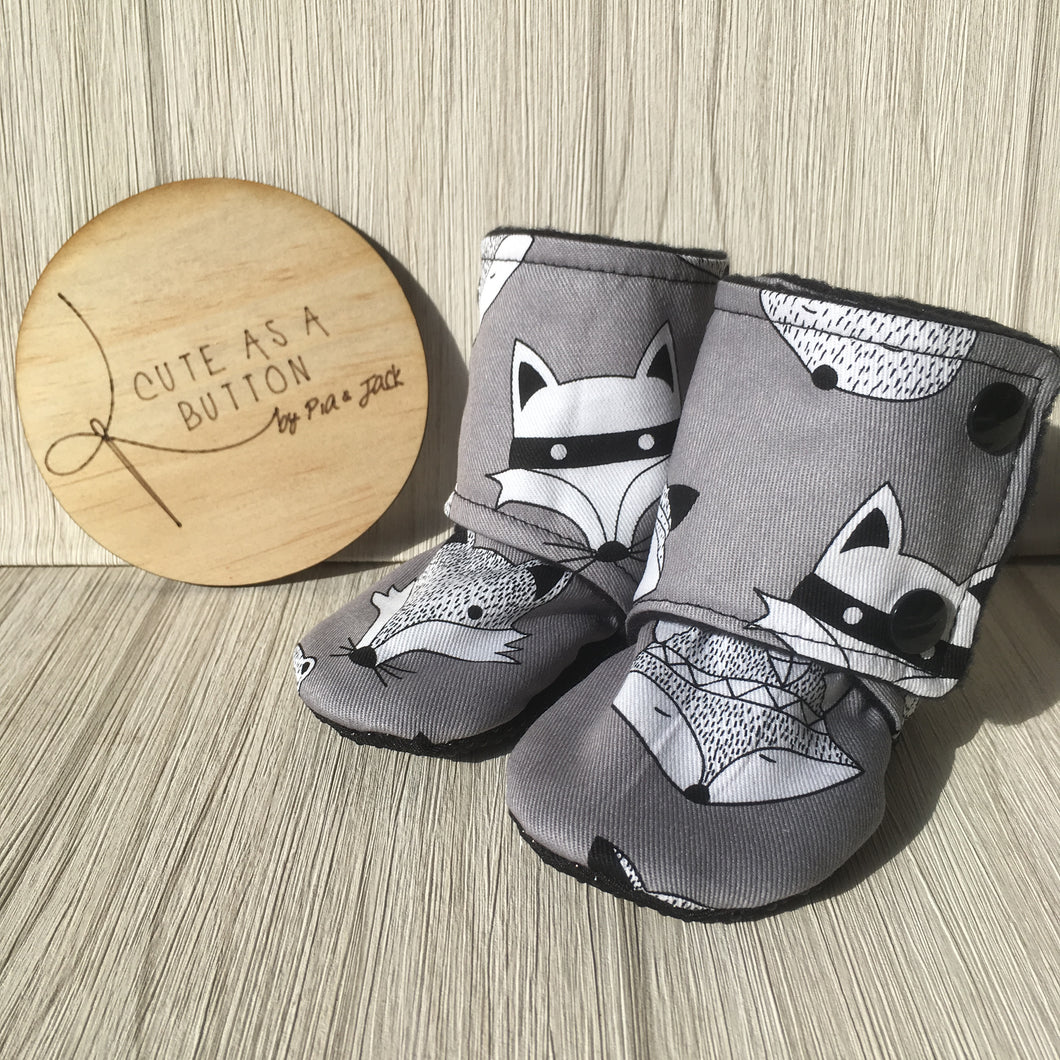 Woodland friend ( grey ) booties