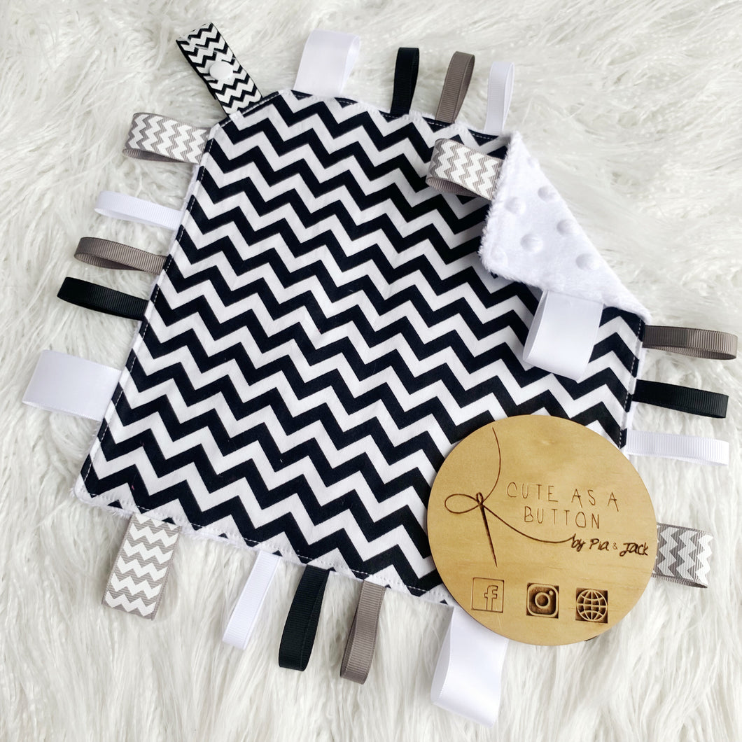 Black chevron taggie