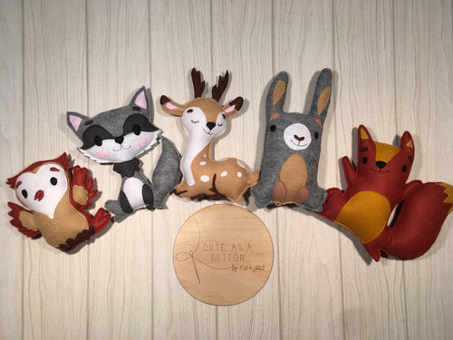 Woodland friends- felt shelfies