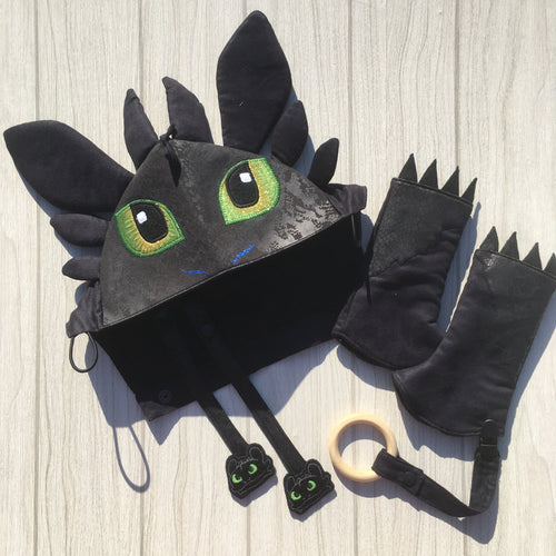 Toothless character hood and matching suck/teething pads