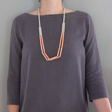 'Straws' necklace - pink/grey