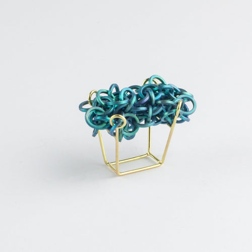 'Linked' ring