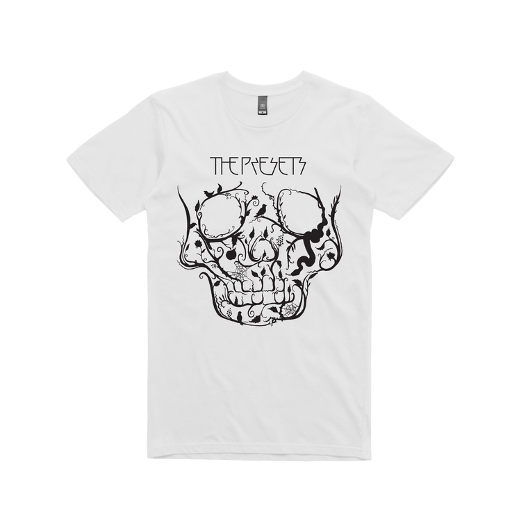 Black Skull / white t-shirt