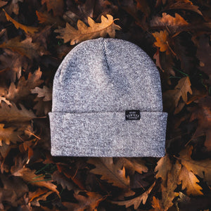 TAG BEANIE - HEATHER GREY