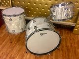 Early 1960s Camco 4 ply Oaklawn Drum Set 20/12/14 White Moire