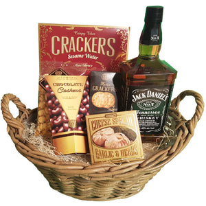 Whisky Delight Basket | Gifty by The Breaking Heart