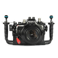 Canon EOS 5D MKIV - Nauticam housing NA-5DMKIV - 17323 front view with dome port
