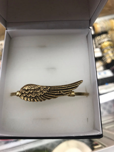 Golden Angel Wing Bracelet