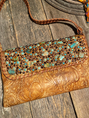 Storm Warning: Turquoise Clutch