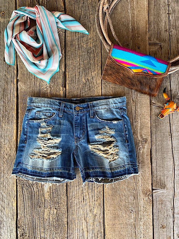 Summer Lover: Distressed Denim Shorts