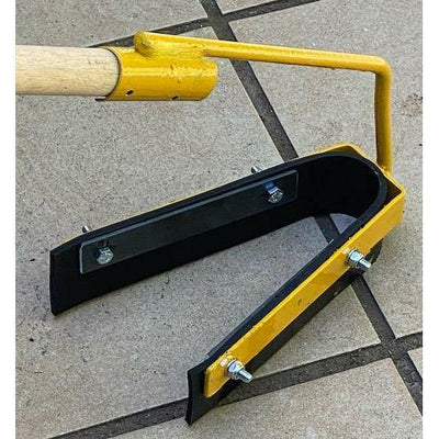 Earthco Projects Crack Filler Tool. Stop the bend over OHS Safety. Asphalt crack filling or concrete crack filling tool. Australian Made. Used with Gripset Products.