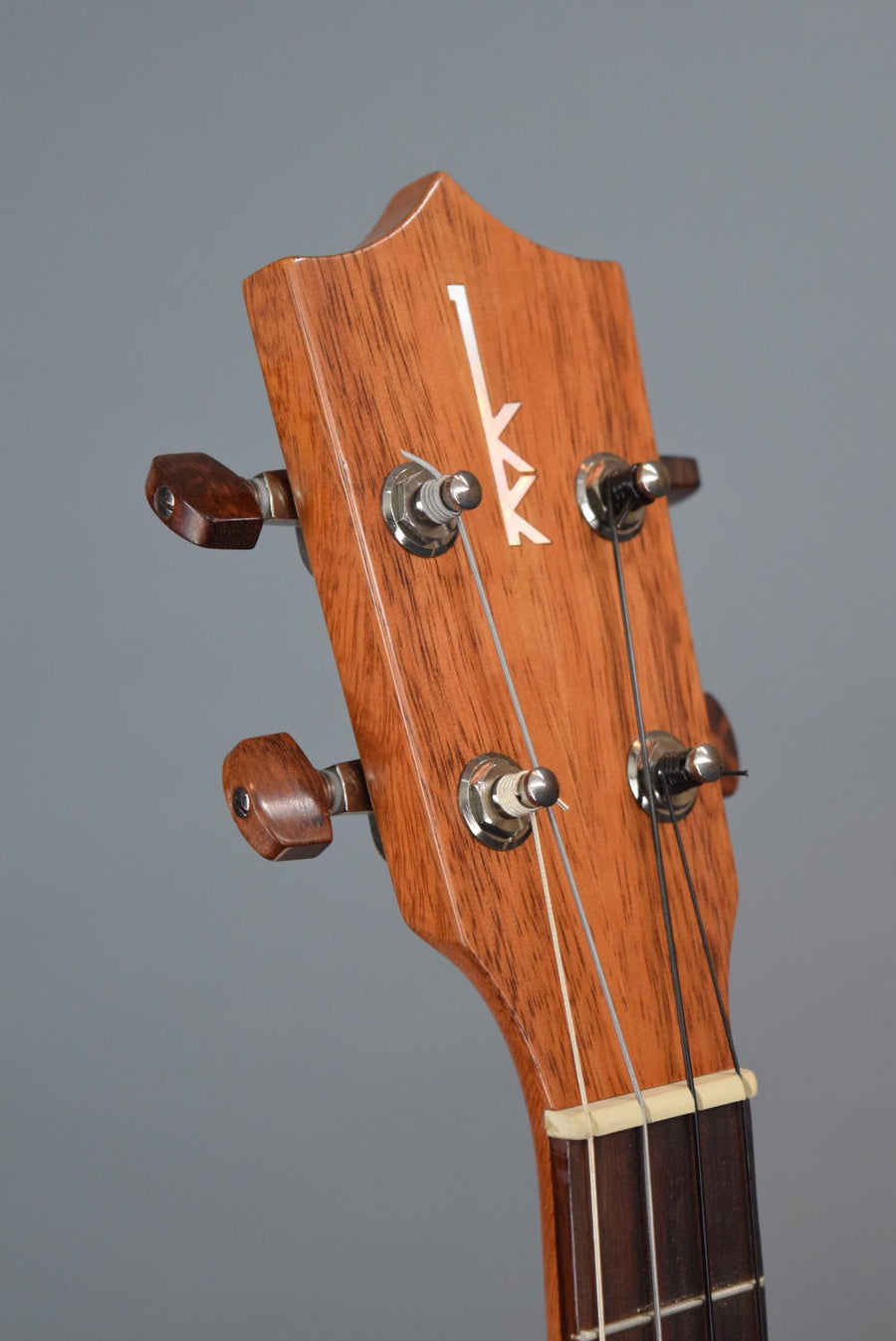 Kamaka HF-4 Baritone Ukulele (#191020) (ON HOLD)
