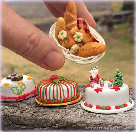 Miniature dollshouse Christmas items cakes