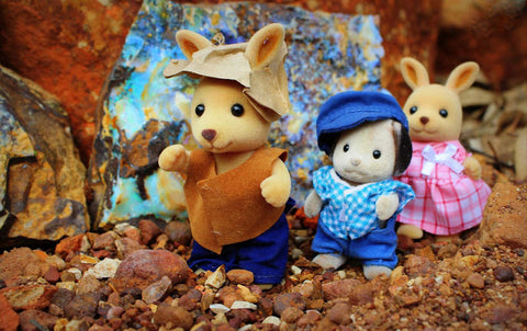 Sylvanian Famillies opal caves outback Queensland