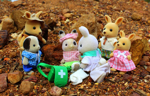 Sylvanian Families accident paramedic set  make a spare stretcher