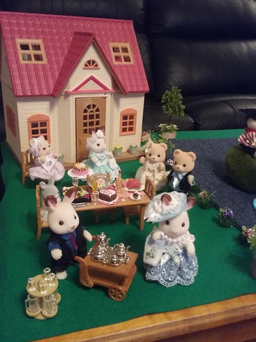 Sylvanian Families scene cosy cottage
