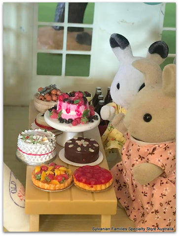 Sylvanian FAmilies prize cake at show day