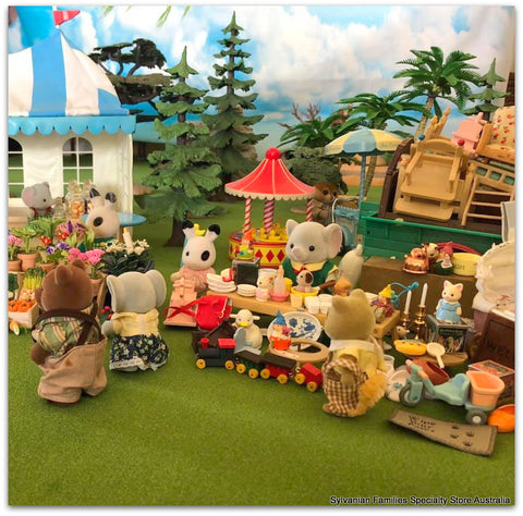 Sylvanian FAmilies busy market day scene