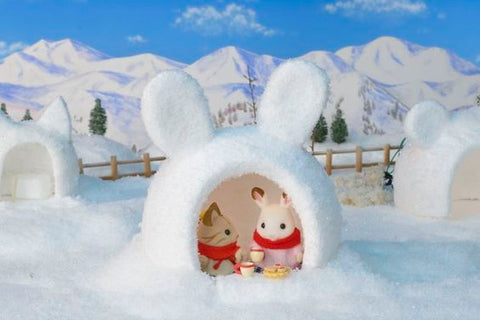 Sylvanian Families igloo winter scene