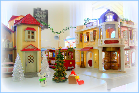 Sylvanian Families Grand Department Store Christmas scene