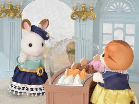 Sylvanian Families Stella Chocolate Rabbit and the Gelato shop