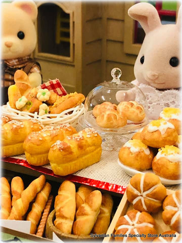 Sylvanian FAmilies serving in bakery loaves bread buns