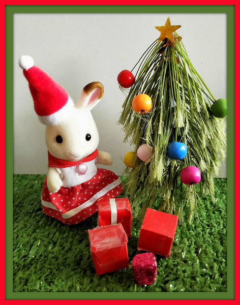Sylvanian Families Christmas tree and gifts scene handmade
