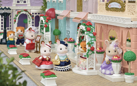 Sylvanian Families townscape scene on streets