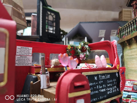 Sylvanian FAmilies Christmas bus in village