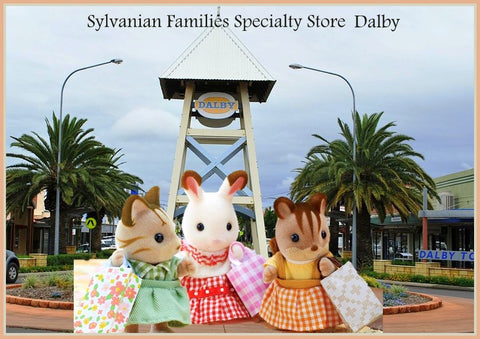 Sylvanian Famlies three friends shopping in Dalby