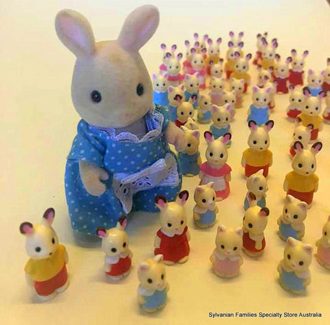 Sylvanian FAmilies miniature figures 2 cm to 3 cm high