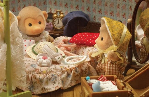 Sylvanian FAmilies monkeys dressing up