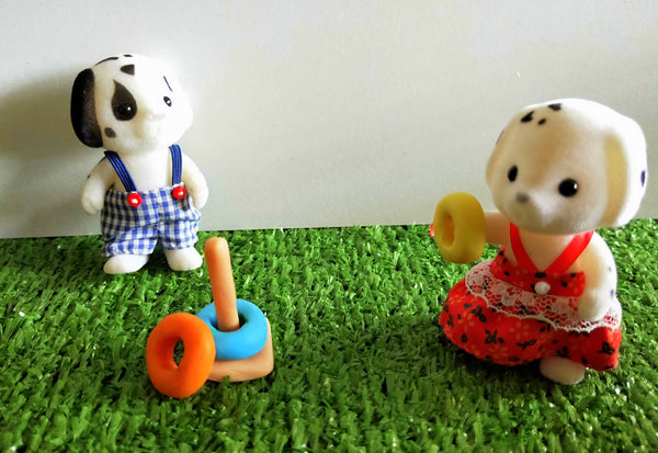 Sylvanian Families playing Quoits ring toss