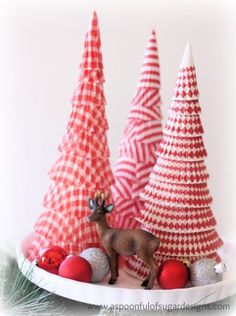 Miniature Christmas tree DIY made of cupcake wrappers