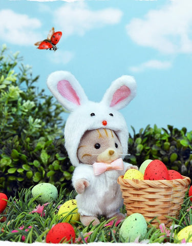 Sylvanian Families Easter bunny and eggs