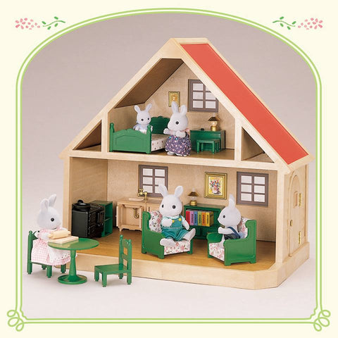 Sylvanian Families Cottage and 1980's figures