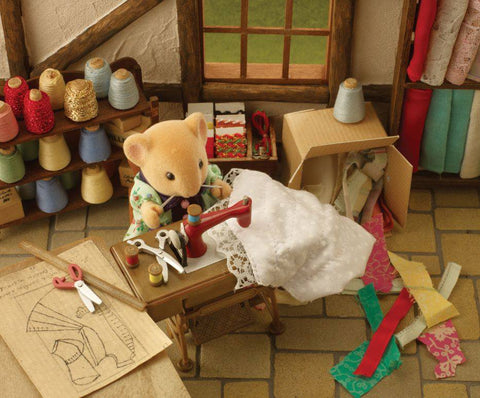 Sylvanian Families Mouse Sewing and Sewing Machine
