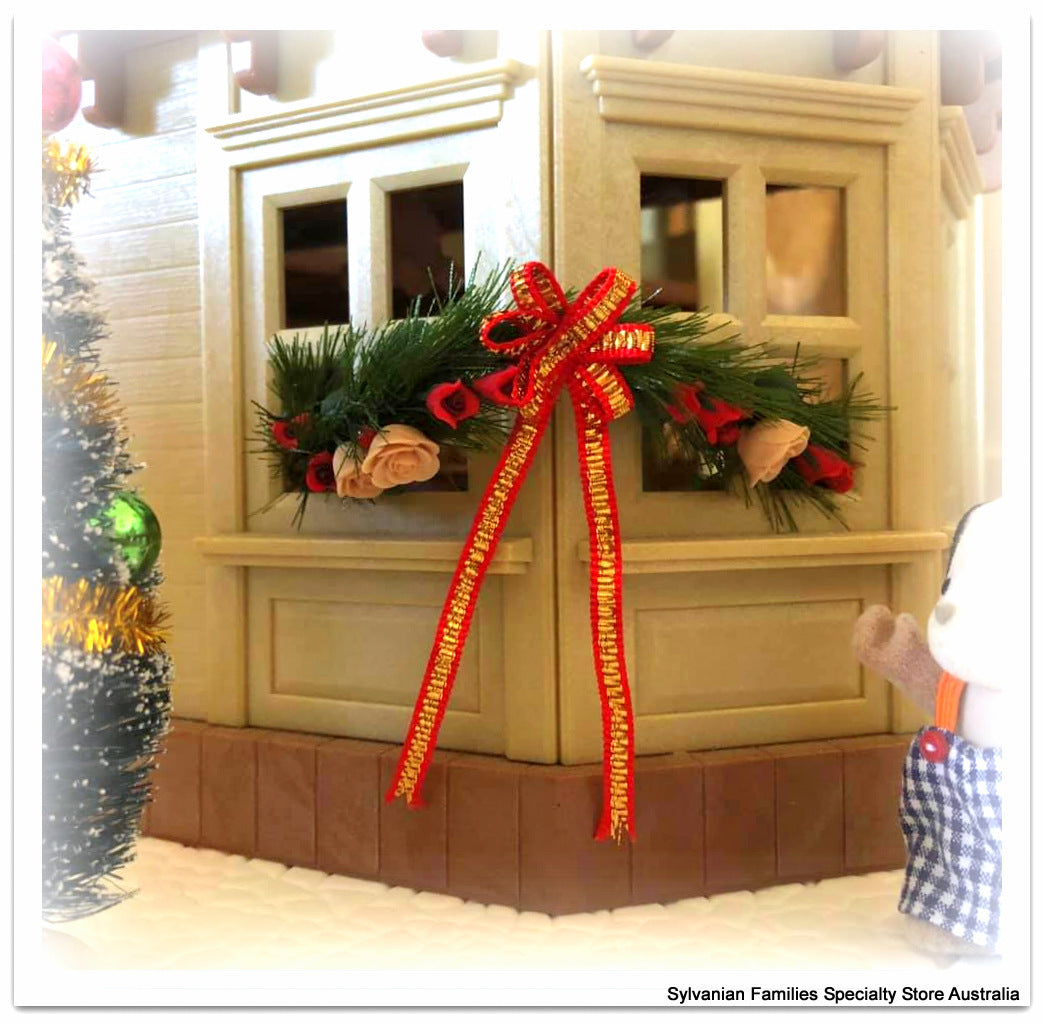Christmas miniature garland on Beechwood Hall, Sylvanian