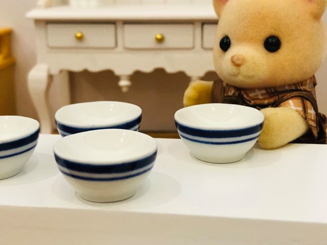 Dollshouse miniature enamelware ceramic blue bowls very smart