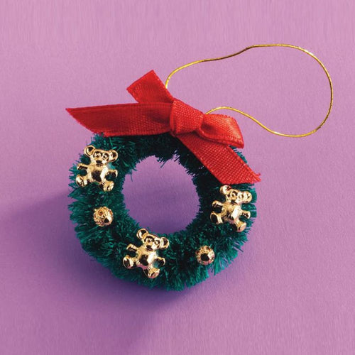 Christmas wreath with Teddy decorations