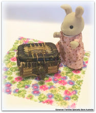Sylvanian FAmilies rabbit and mystery picnic surprise basket