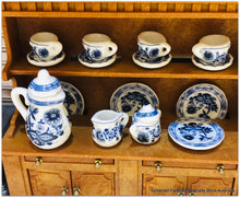 Dollshouse tea set miniature blue delft