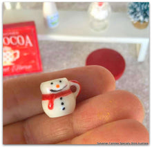 Minaiture Snowman mug dollshouse