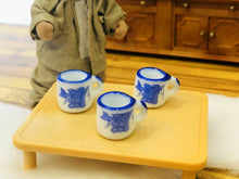 Dollhouse minaiture Blue white mugs
