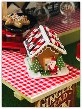 miniature 4 cm Gingerbread cottage