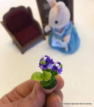 Miniature dollshouse purple flower plant potplant Sylvanian Families