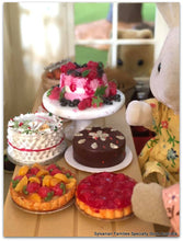 Sylvanian FAmilies bake stall market day cake stand