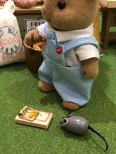 Sylvanian Famlies Squirrel and small mouse